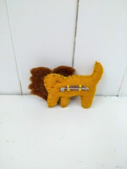 lion brooch back