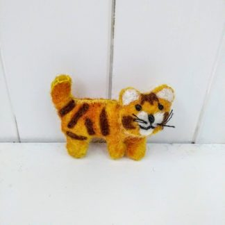 tiger brooch front